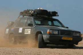 The Volvo in the desert. Picture taken from www.dustbusters.tk