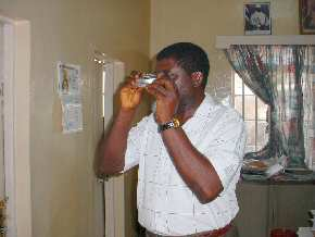 Wale Adebayo trying out the Trekker microscope