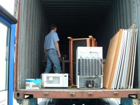 loading the container (3)